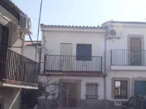 Casa adosada en venta en calle Altozano, nº 21