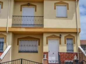 Casa adosada en venta en calle Miguel Servet
