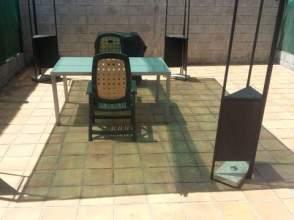 Chalet en venta en Adosado 4 Habitaciones 250M2 Zona Rois