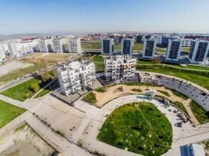 Obra nueva con terraza en nanclares de la oca langraiz for Piscina zabalgana
