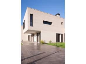 Casa adosada en venta en calle Rabassaires,  32-50