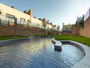 Casa adosada en venta en Avenida del Garraf,  S/N, Vilafranca del Penedès por 205.000 €