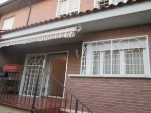 Chalet adosado en venta en Avenida Mariano José de Larra