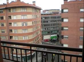 Apartamento en alquiler en calle Biarritz, Masustegi-Mintegitxueta, Basurtu-Zorrotza (Bilbao) por 800 € /mes
