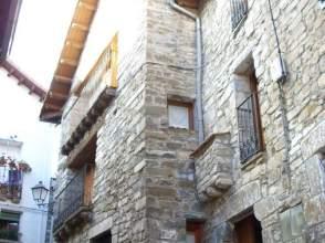 Casa rústica en venta en calle Labati, nº 4