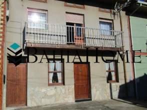 Casa adosada en venta en calle La Llanilla