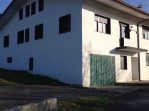 Casa adosada en alquiler en Avenida Karmelo Etxegarai