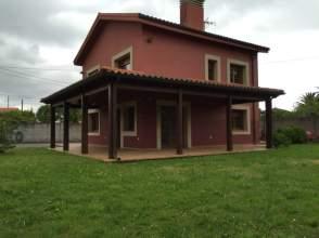 Chalet unifamiliar en alquiler en calle Cantullosu- San Claudio, nº 6