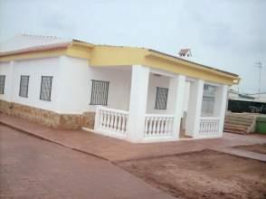 Chalet en venta en calle Benaguacil .Zona Con Vecinos, Benaguasil por 100.000 €