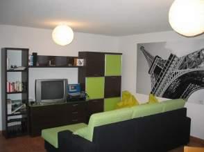Chalet pareado en venta en calle Sierra Morena, nº 20