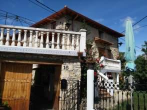 Casa rústica en alquiler en Puentedey