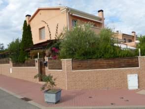 Casa adosada en venta en calle Ntra Senyora de Montserrat