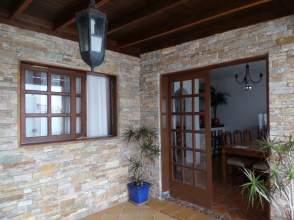 Chalet pareado en venta en calle Gibalbera, nº 7