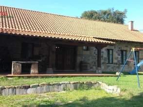 Casa rústica en venta en Avenida los Campos