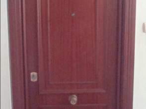 Piso en alquiler en calle Luis Almunia, nº 13