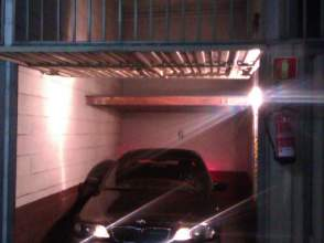 Garaje en alquiler en calle Alluitz, nº 23