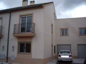 Casa adosada en alquiler en calle Lisboa, nº 7
