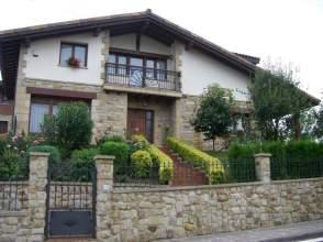 Casa unifamiliar en venta en calle Kukutza, nº 5