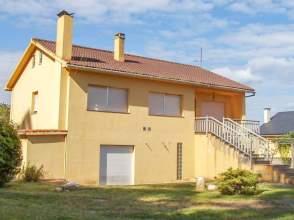Casa en venta en calle Corgo