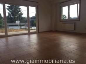 Casa en venta en calle Eiriz, nº 1