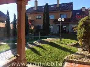 Casa en alquiler en calle Montiño