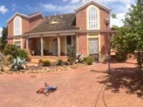 Alquiler de pisos con precio rebajado en mairena del alcor for Alquiler casas urbanizacion sevilla golf