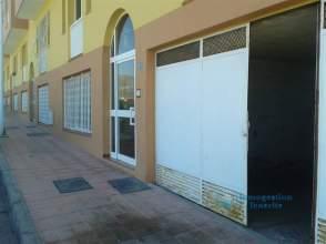 Local comercial en alquiler en calle Miguel Delgado Calcerrada