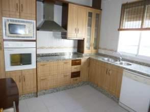 Casa en venta en calle Gutierrez Mellado, nº 10