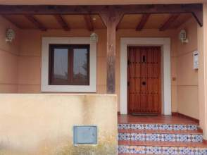 Casa adosada en venta en calle Isla
