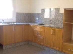 Casa en venta en calle Campanilla,  68, Montequinto, el Colmenar (Dos Hermanas) por 297.100 €