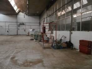Industrial building in Sagrada Familia-Vioño