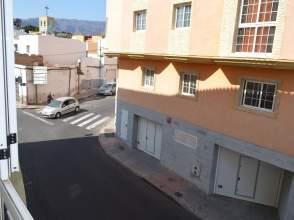 Piso en calle de León y Castillo