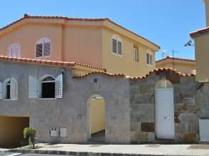 Casa pareada en calle Manzanilla, nº 14