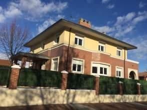 Casa en Avenida de José Luis Lasa, nº 62