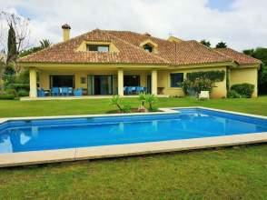 Casa en calle Guadalmina