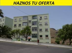 Flat in calle Pedro Bernardo Forstall, 2