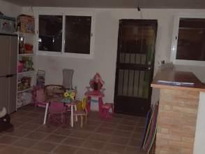 Casa pareada en Jun, Zona de  Jun