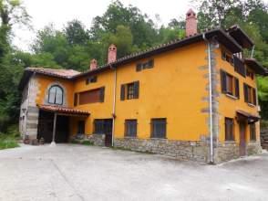Casa en Oriente  Piloña