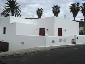 Casa adosada en Haría  Haría Pueblo