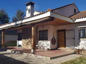 Chalet en Manzanares El Real, Zona de - Manzanares El Real