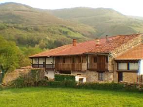 Casa adosada en calle Villayuso, nº 3
