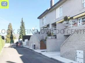 Casa adosada en calle Alondras Las