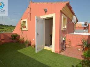 Casa adosada en calle Jose Cadalso