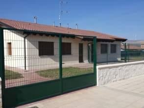 Casa pareada en Villalonquejar