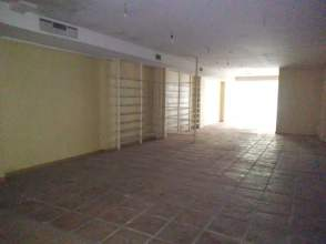 Local comercial en calle Virgen del Valle