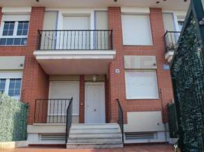 Casa adosada en calle Barrio La Sota, nº 26