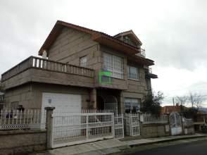 Casa adosada en Pereiro de Aguiar (O)