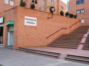 Local comercial en calle de los Platanos, nº 2