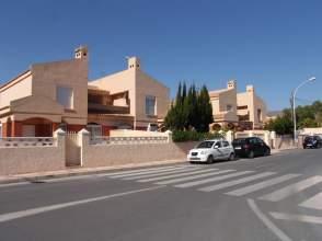 Casa pareada en calle de Beniarrés