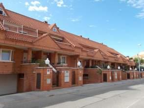 Casas y chalets en santa teresa colmenar viejo for Piscina santa teresa colmenar viejo